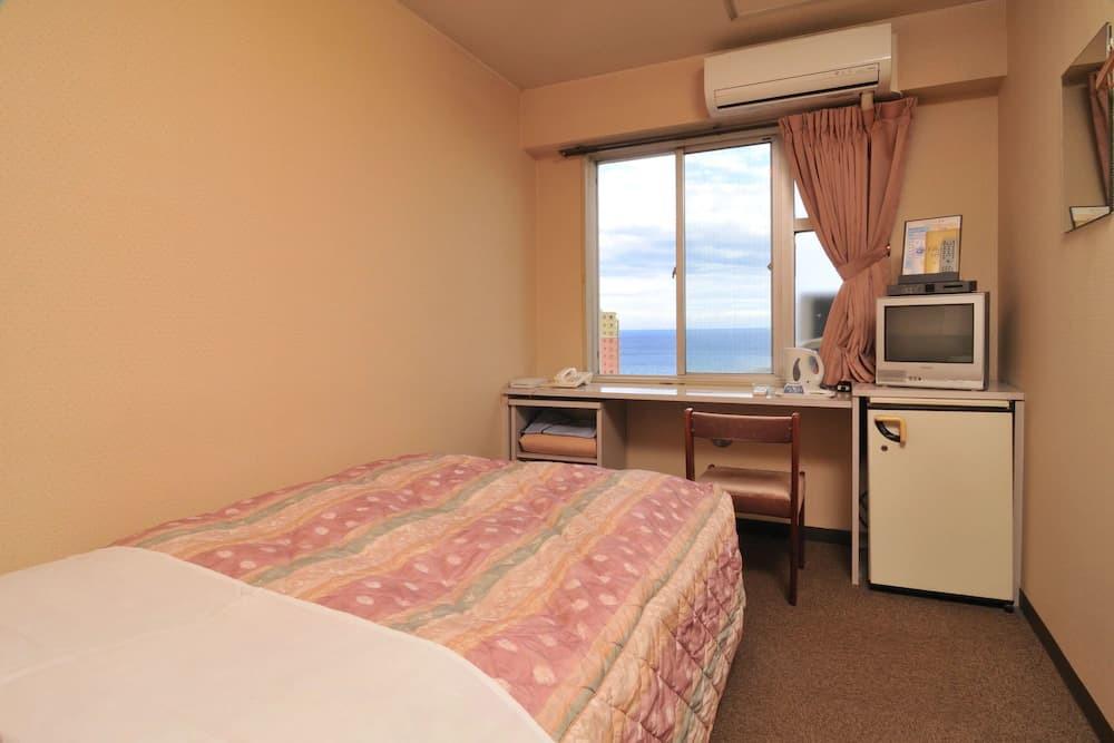 6.ファンシービジネスホテル