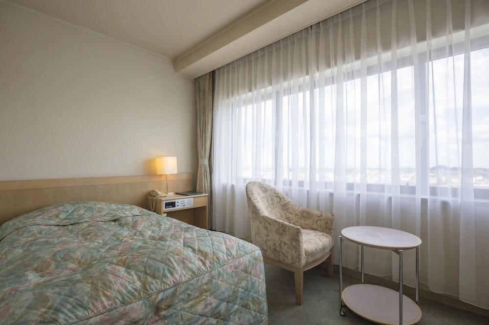 8.センチュリープラザホテル