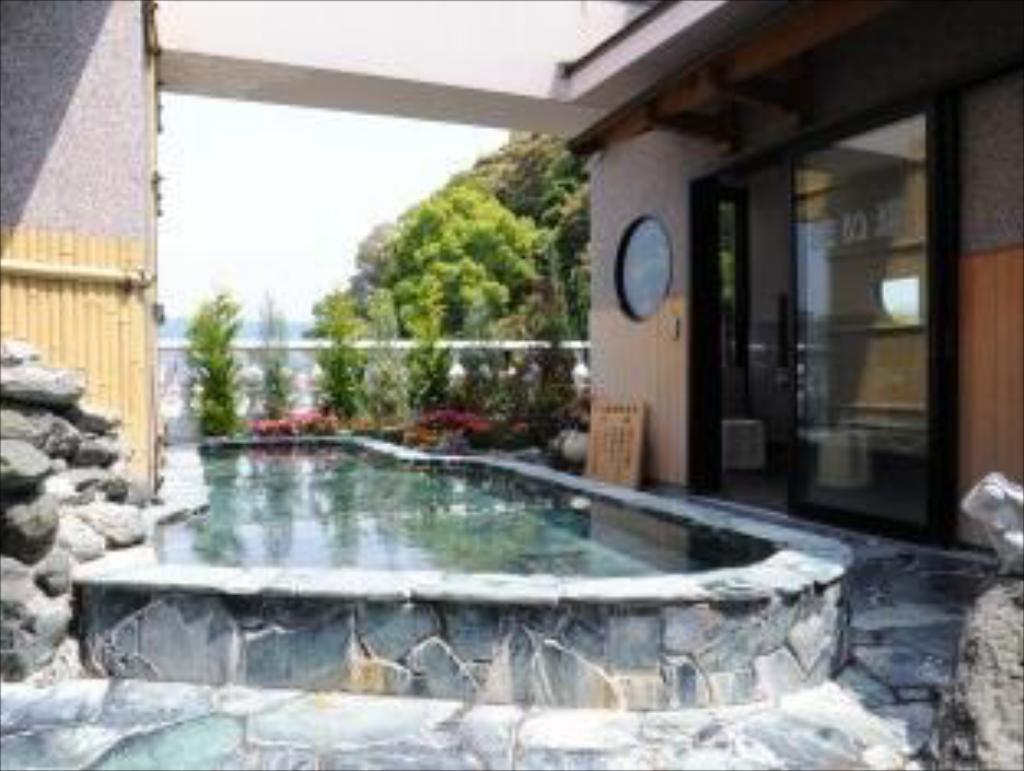 4.ホテル泰平