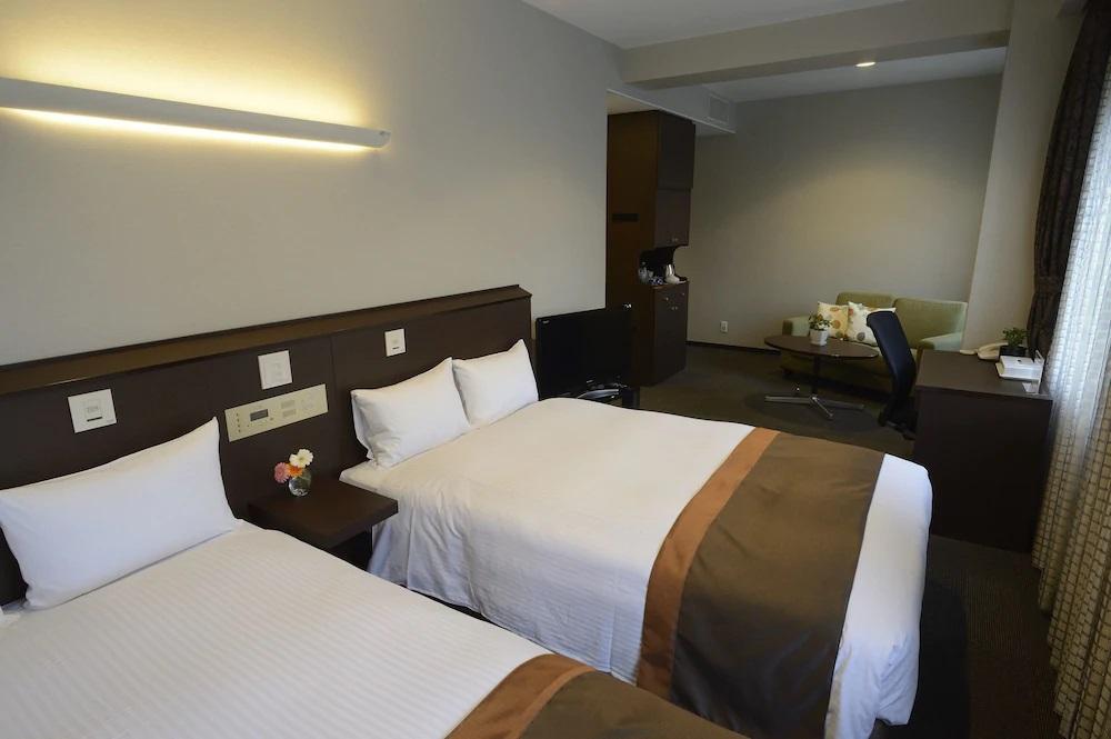 3.御堂筋ホテル