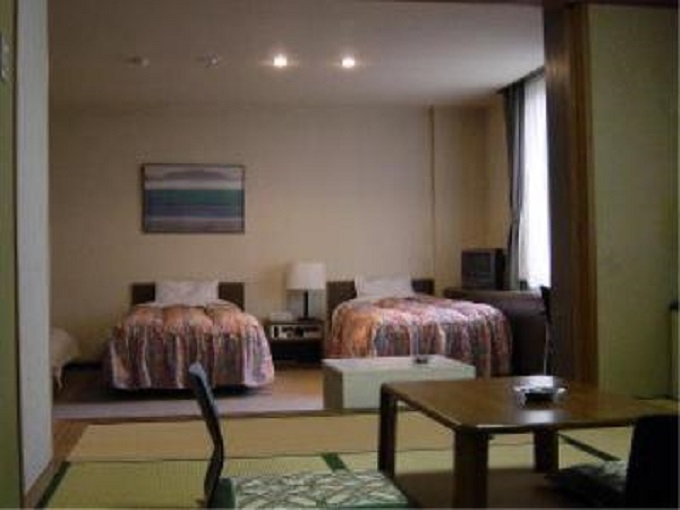 4.ホテル 中寿美花壇