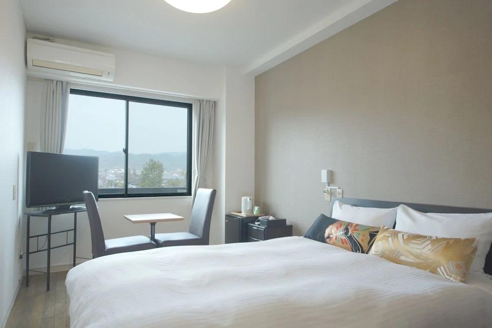 2.ホテル嵐山