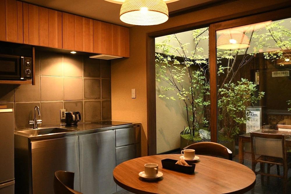 10.ゴザンホテル&サービスアパートメント東山三条