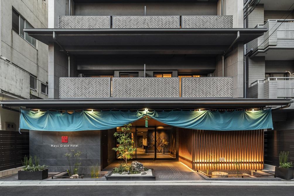6.RESI STAY Mayu Grace Hotel
