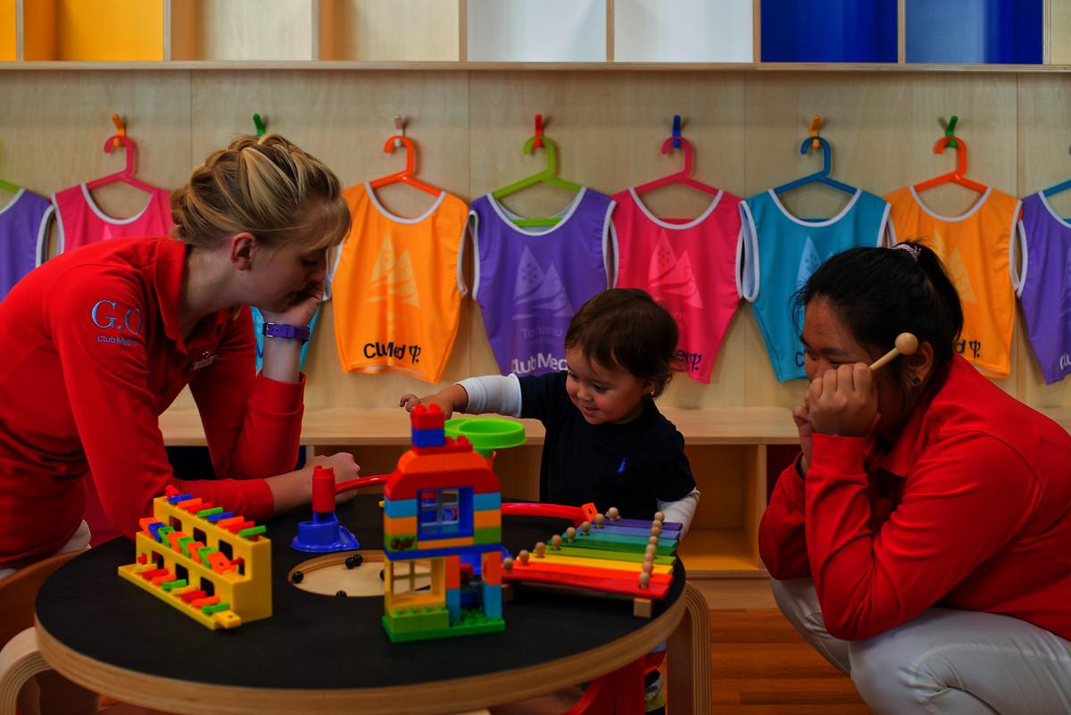 三世代で楽しめる広い部屋に子供や家族向けプログラムも!