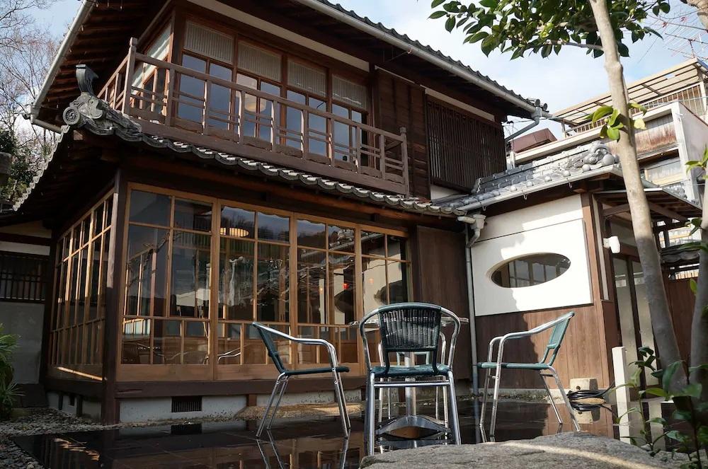 8.moons cafe ムーンズカフェ