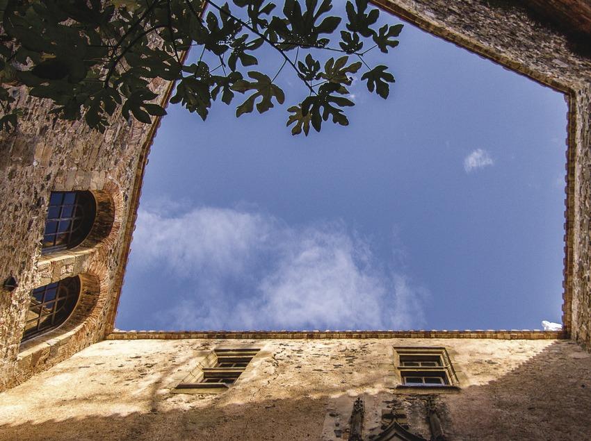 ジローナ:サルバドール・ダリが愛妻に贈った邸宅プボル城