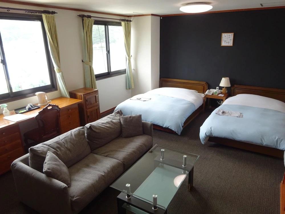 1.奄美ポートタワーホテル