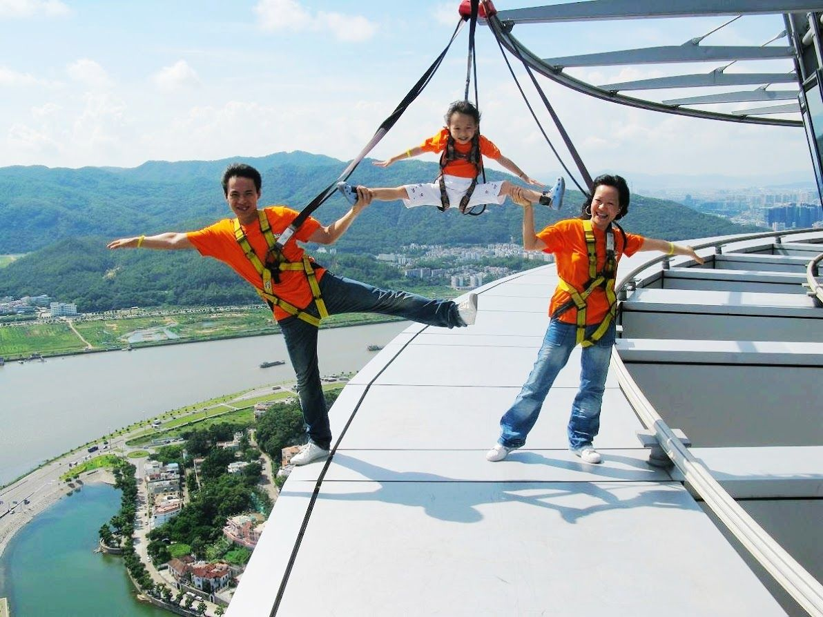 2.マカオタワーの空中散策「スカイウォーク」体験