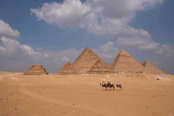 1.ギザの3大ピラミッド(ギザ)