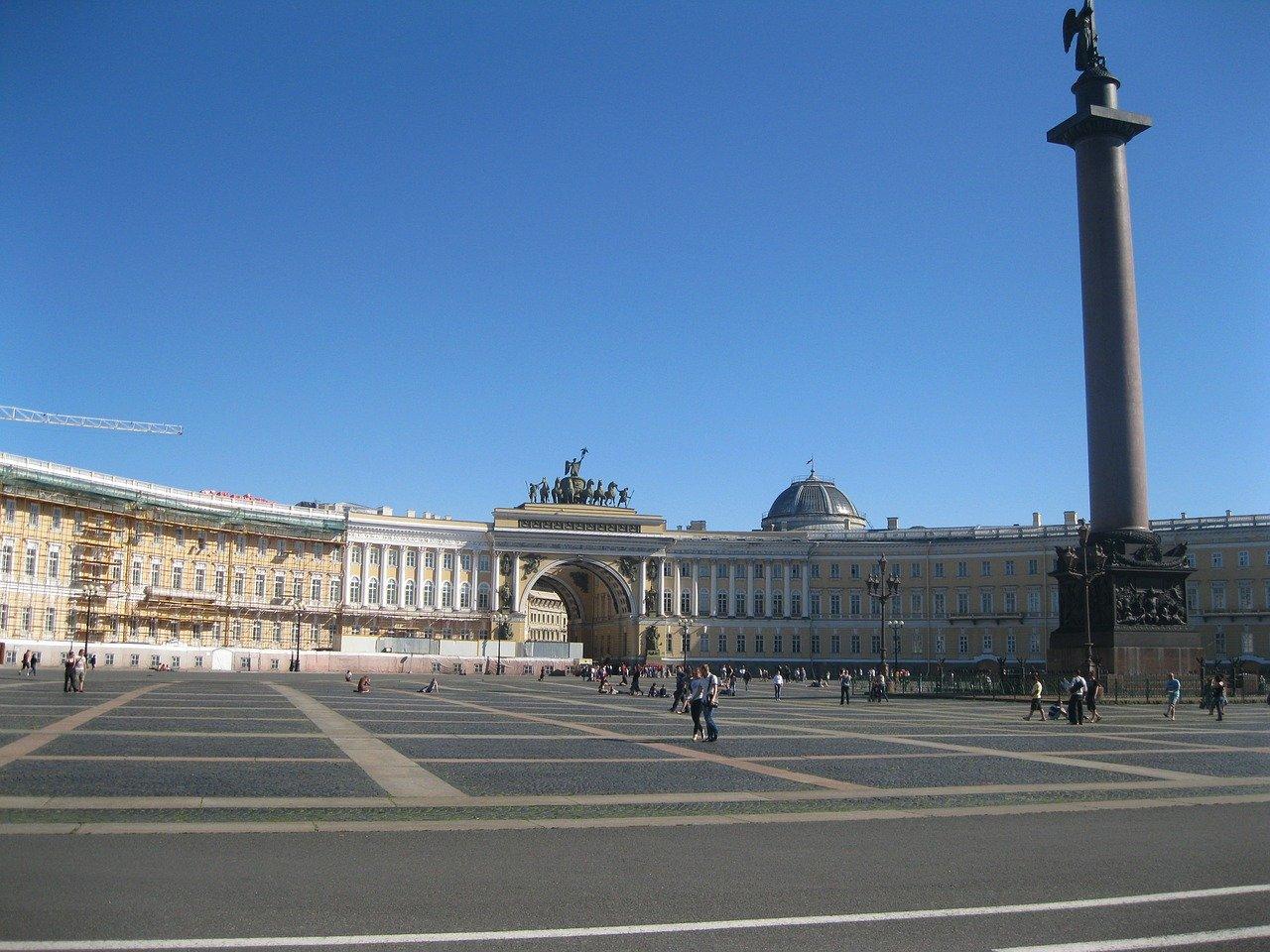 サンクトペテルブルクへの行き方、まわり方