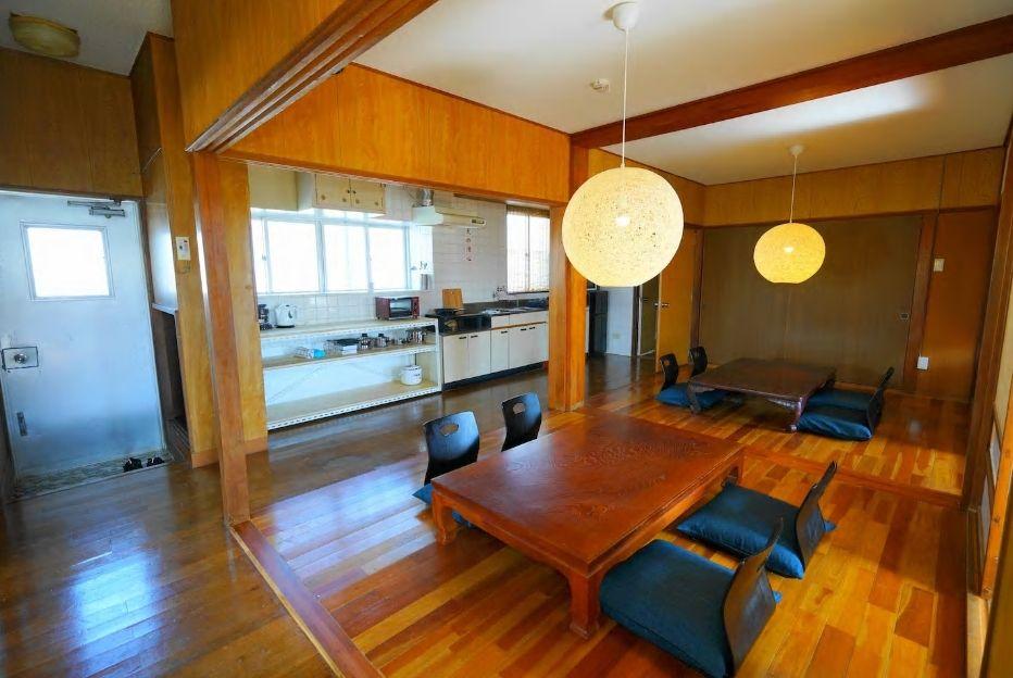 2.アクセス便利、広いテラスもあり最大8名まで宿泊可/石垣市