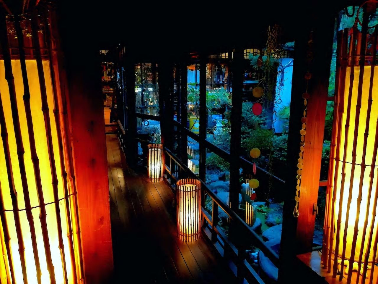 5.築100年の元旅館を南国風にリノベーション/松山市
