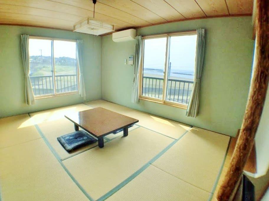 2. 海の近くにある小さな旅館/柏崎市