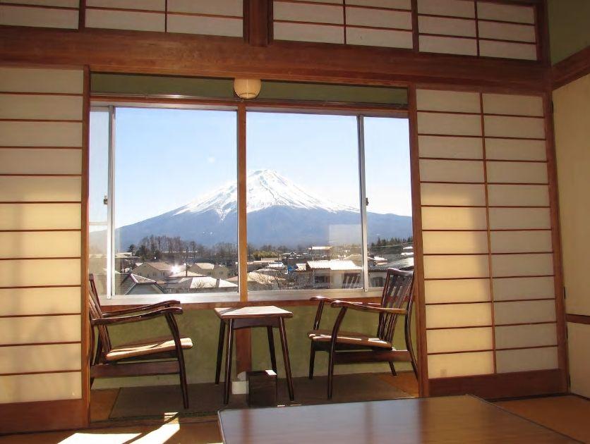 3.富士山を一望できる和室が自慢/山梨・富士河口湖町