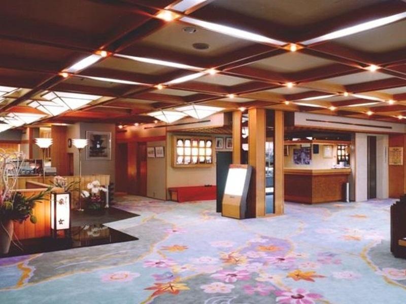 3.春日ホテル