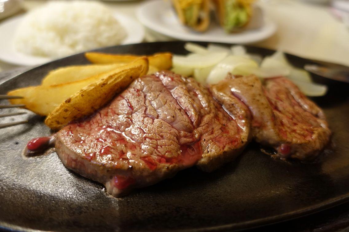 サク旅プラン5. 沖縄でシメステーキしちゃう