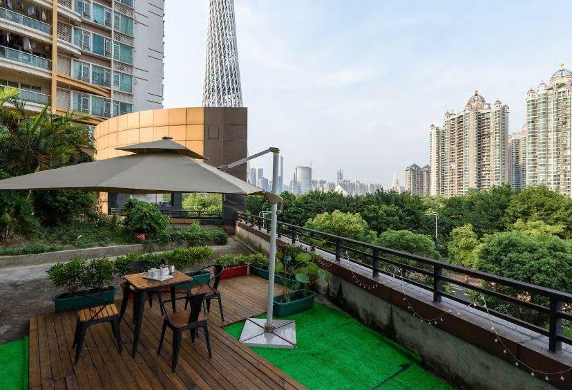 6.広いバルコニーから広州タワーが一望/広州市