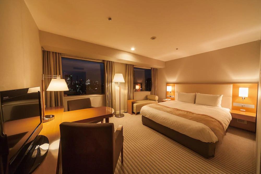 2.ホテルグランドパレス