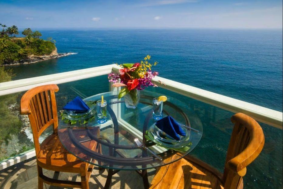 8.眼下に広がる美しい海が魅力の一軒家に6名まで宿泊可