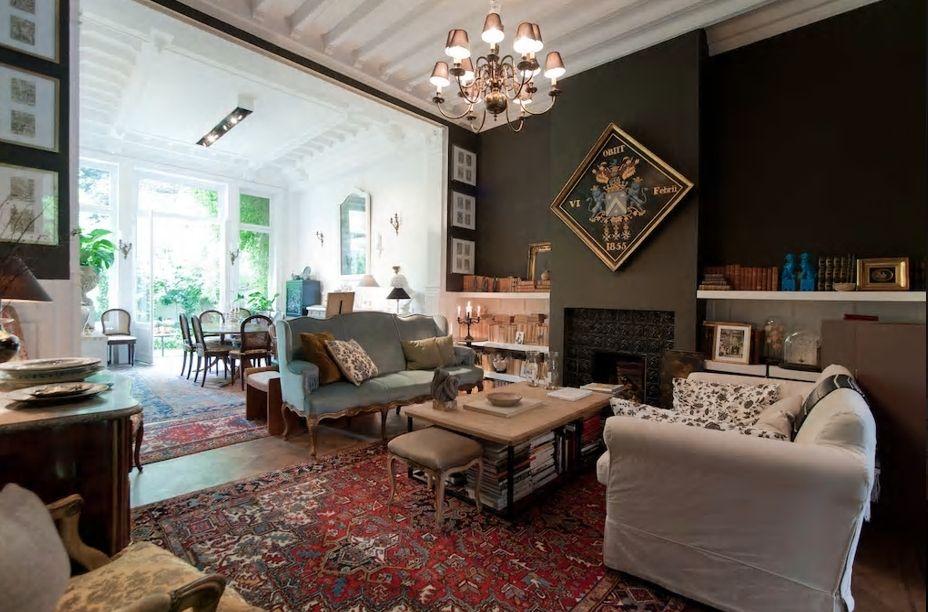 7.重厚でクラシカルな雰囲気の豪華なお部屋