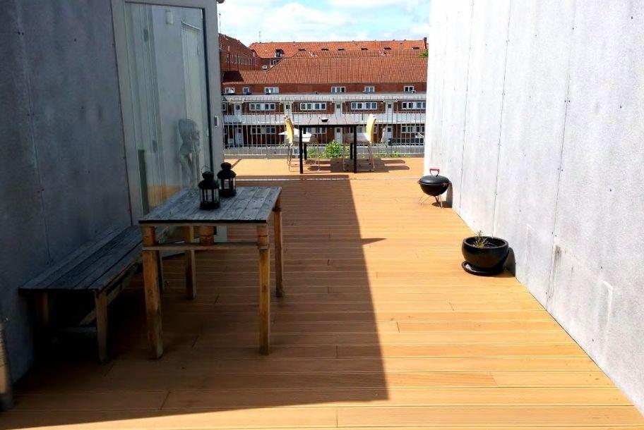 10.屋上には見晴らしの良い40平米もの広いテラスが