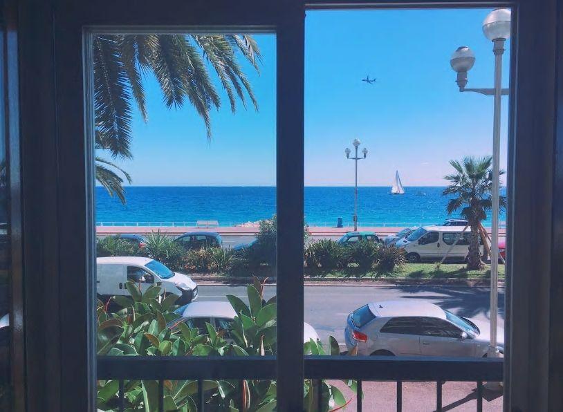 4.美しい地中海の景色を眺めながら手作り料理はいかが?