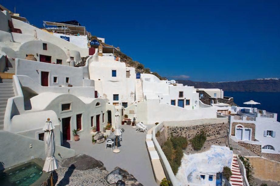 3.サントリーニ島を象徴する風景の中で暮らすように滞在