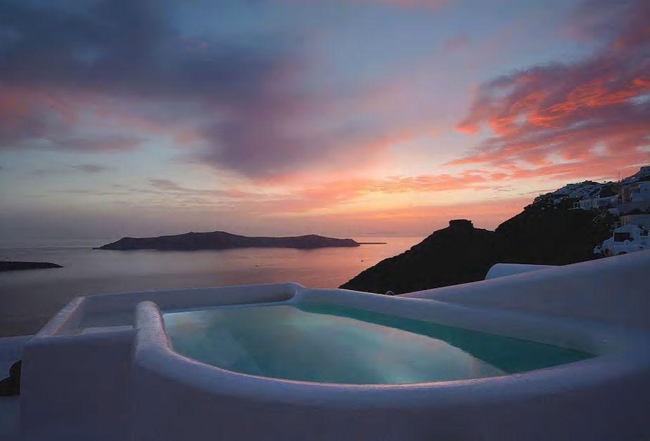 6.洞窟ハウスに泊まって海と夕日を眺めながらジャグジー