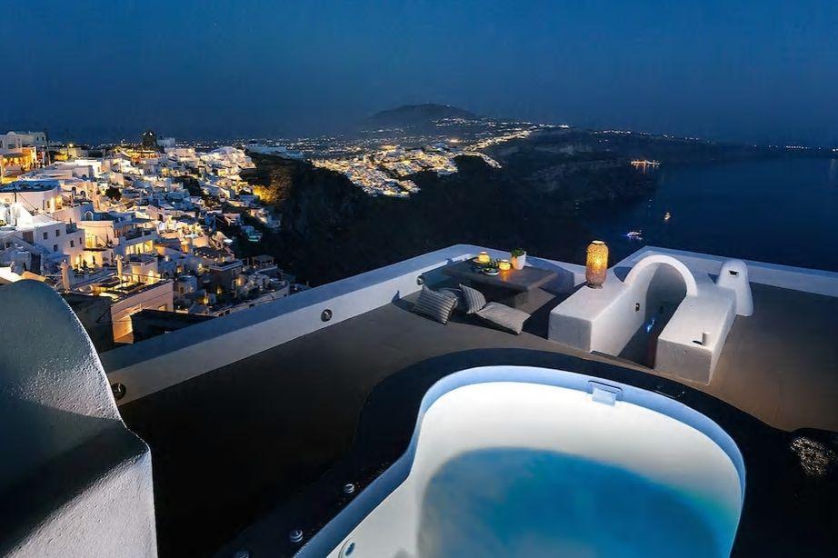サントリーニ島で民泊しよう!Airbnbで予約できるおすすめ8選