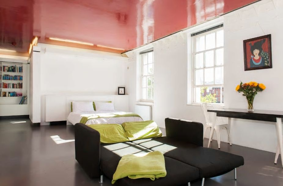 5.リフィー川近くにあり、広くて開放的なお部屋が魅力