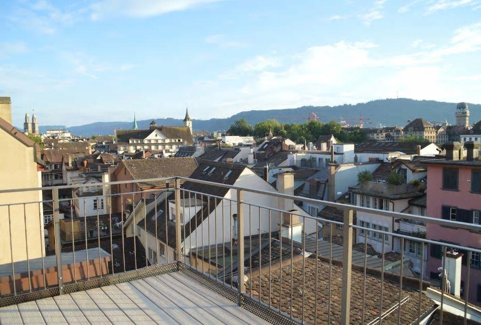 1.プライベートな屋上テラスからチューリッヒの街を一望