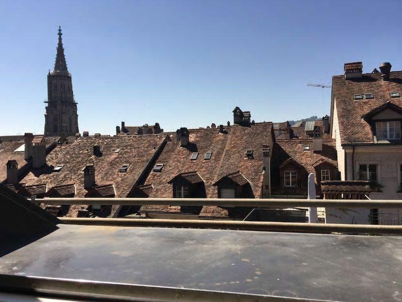5.屋上から美しい旧市街を一望