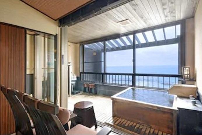 4.ホテル三楽荘