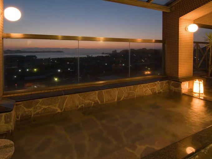 7.陽いずる紅の宿 勝浦観光ホテル