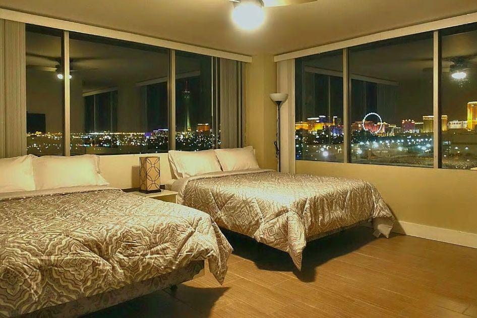 4.高層階の角部屋で眺望抜群、8名まで宿泊可
