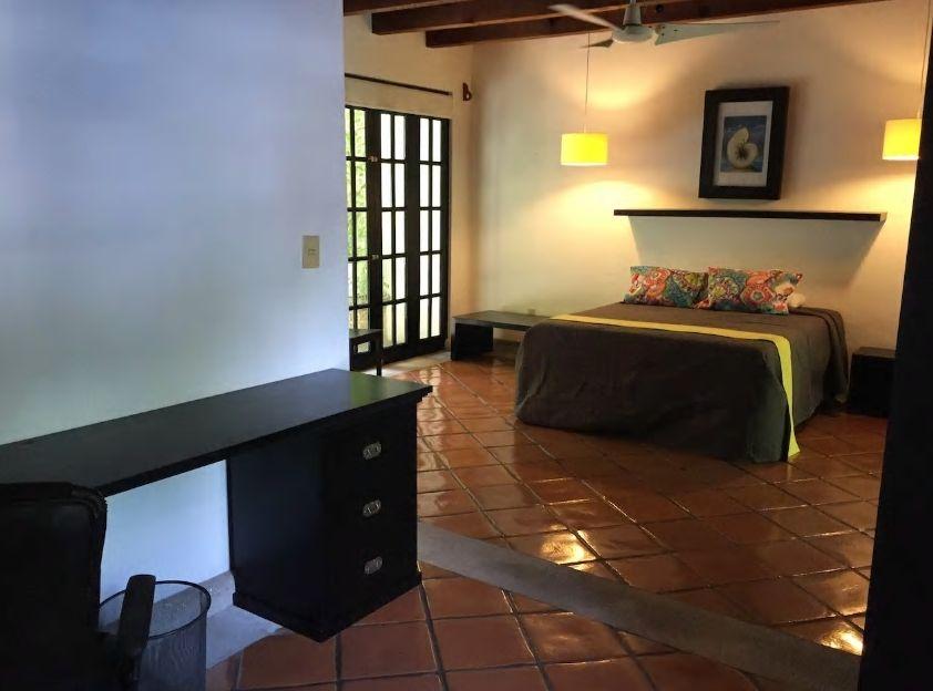 4.ガーデンがある一軒家の個室に滞在