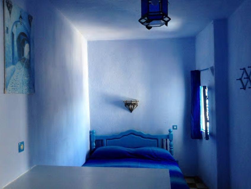2.お部屋の中も青、青、青! 青一色の青いお家