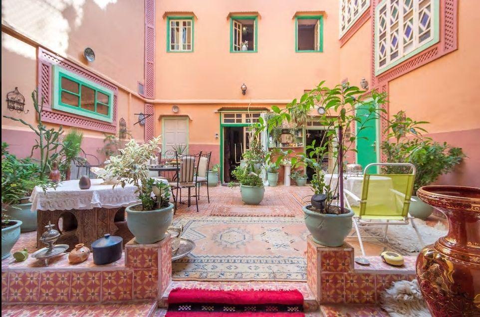 2.モロッコの伝統的な邸宅「リヤド」を貸し切りで