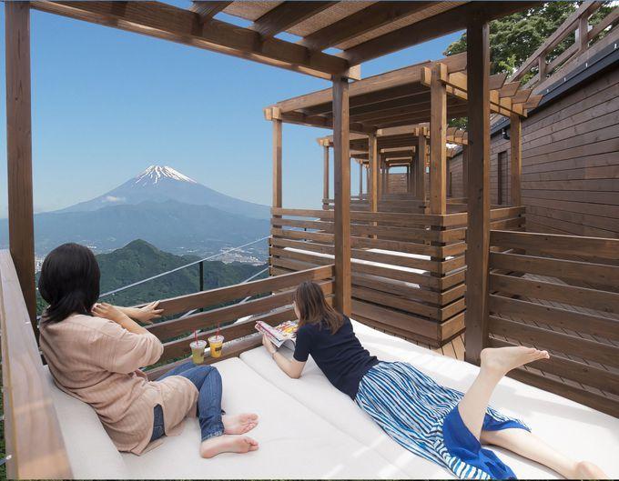 寝転びながら富士山を眺める。絶景癒やし空間